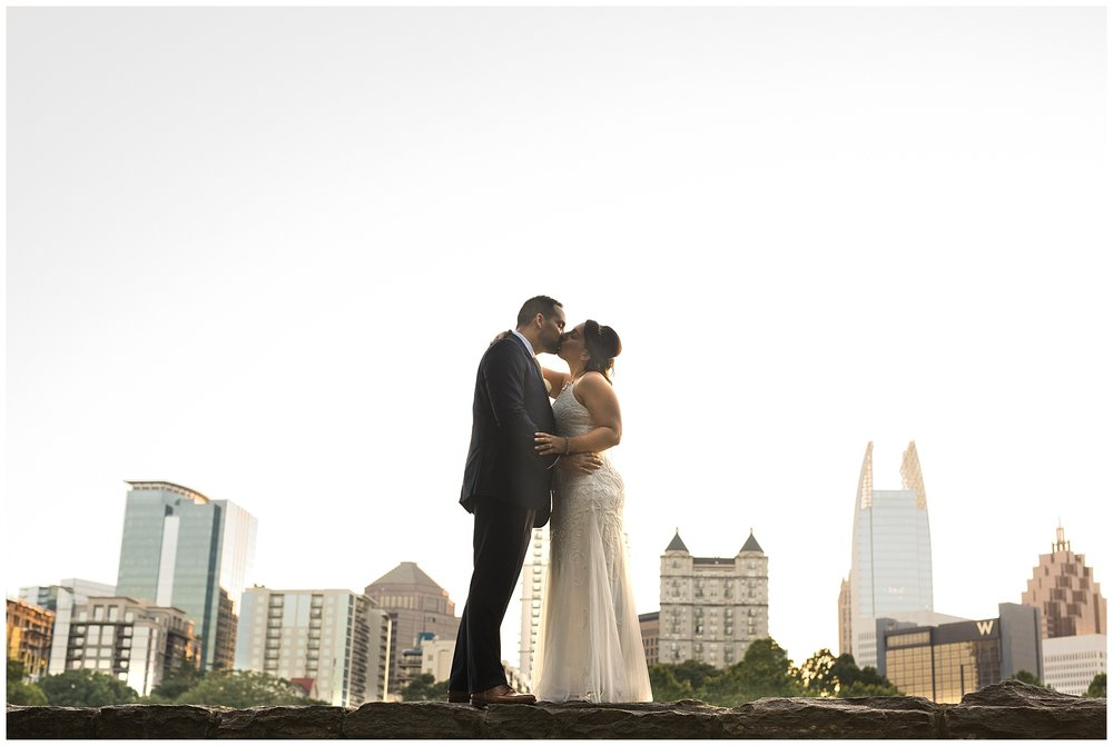 atlanta skyline kiss couple romance elope elopement wedding marriage vows wed i do