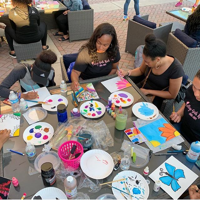 UWG hosted an amazing Eat and Paint event this week. What better way to de-stress before finals! ✨💕