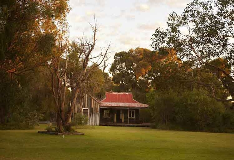 Australian-cottage.jpg