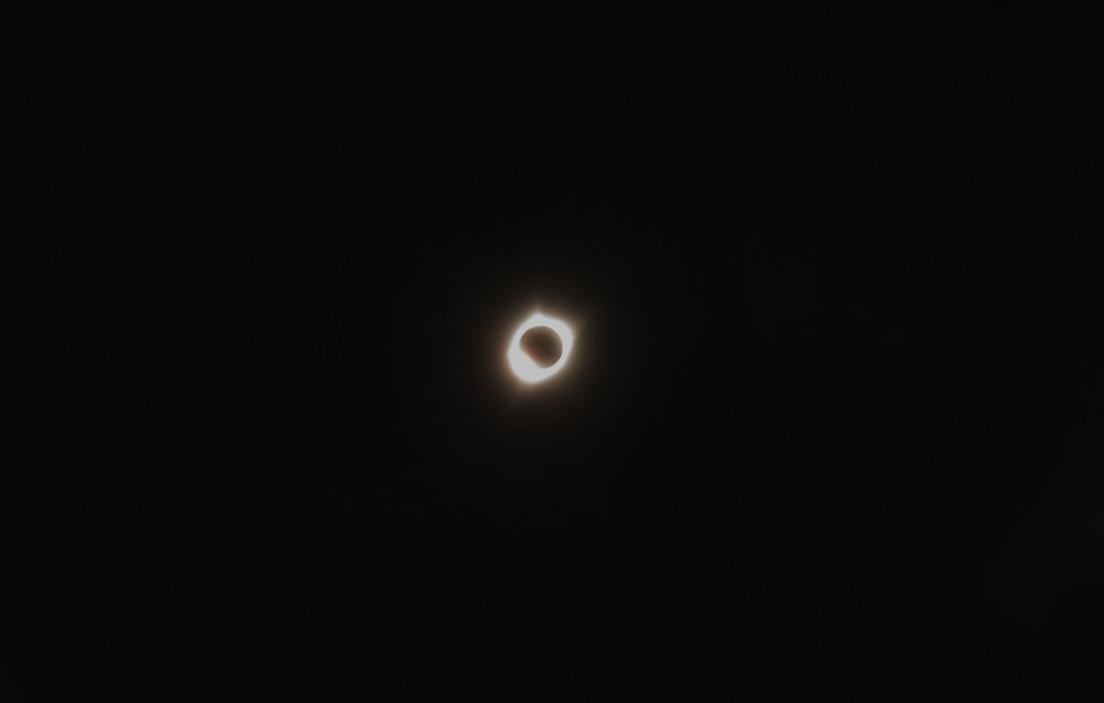 Suuuuuuuper edited to show the corona!