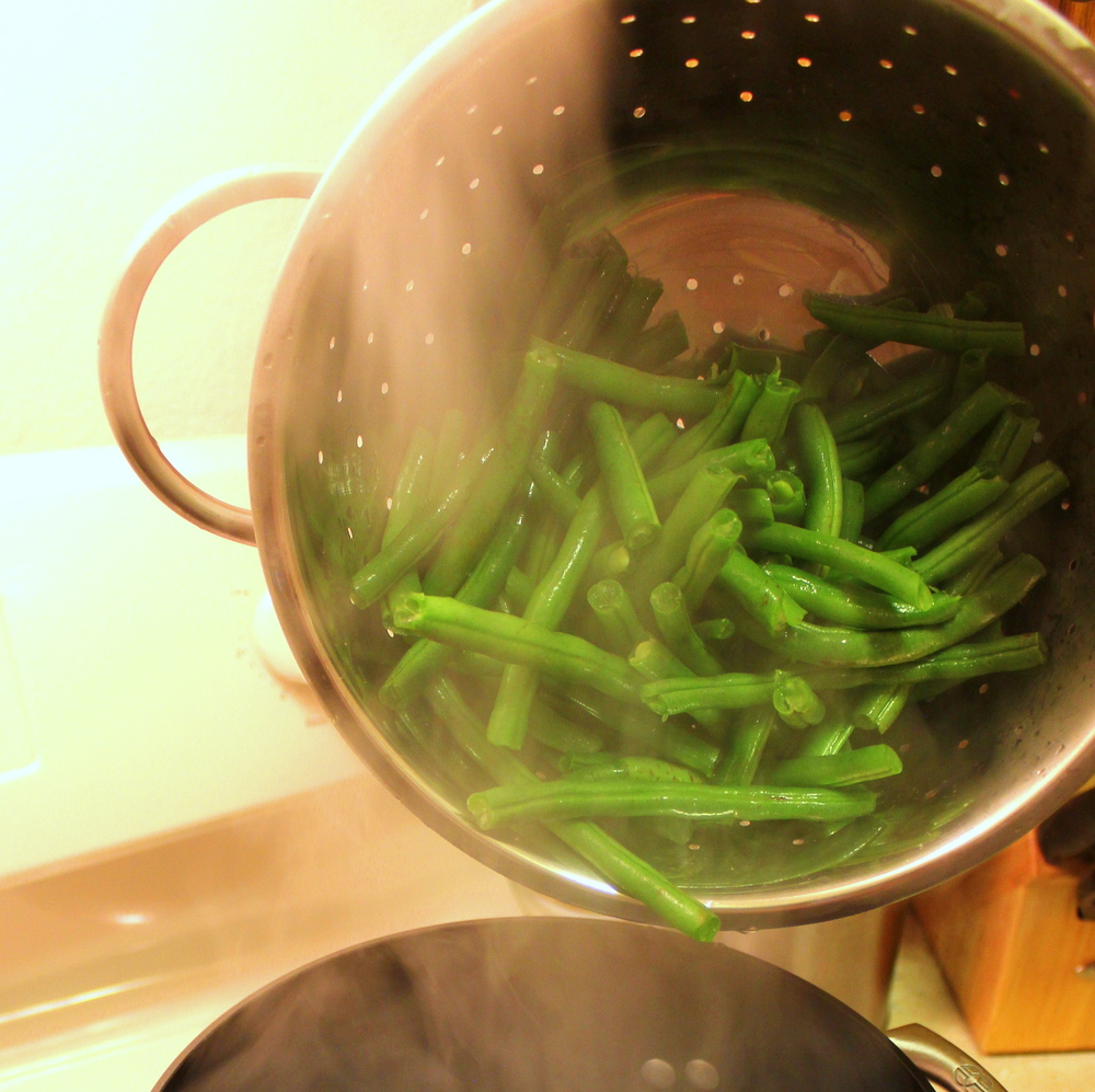 Sweet and Sour Pickled Green Beans from www.peasandhoppiness.com