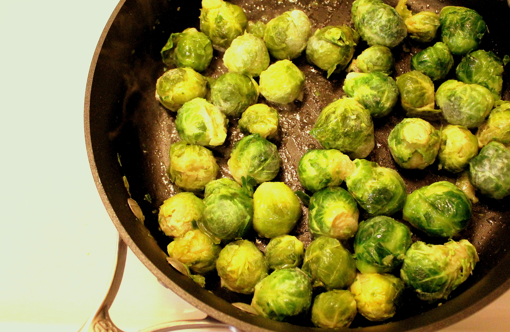 Easy (and Delicious) Sauteed Brussels Sprouts from Peas and Hoppiness
