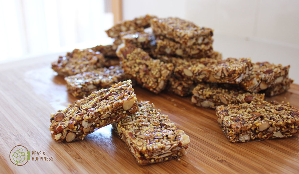 Savory Granola Bars for a quick & healthy breakfast on the go -  get the recipe !