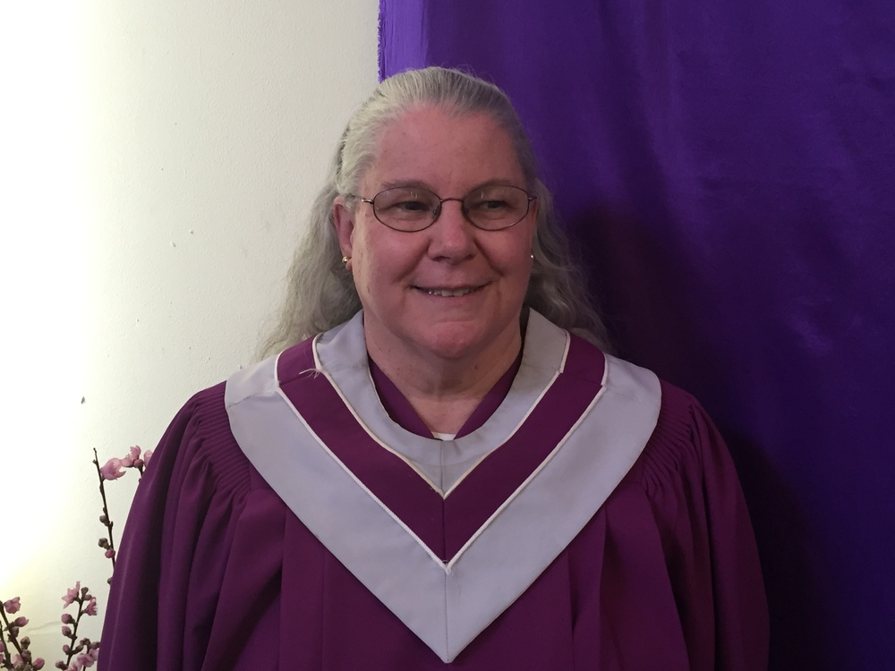 Choir Director DeeAnne Rojeski