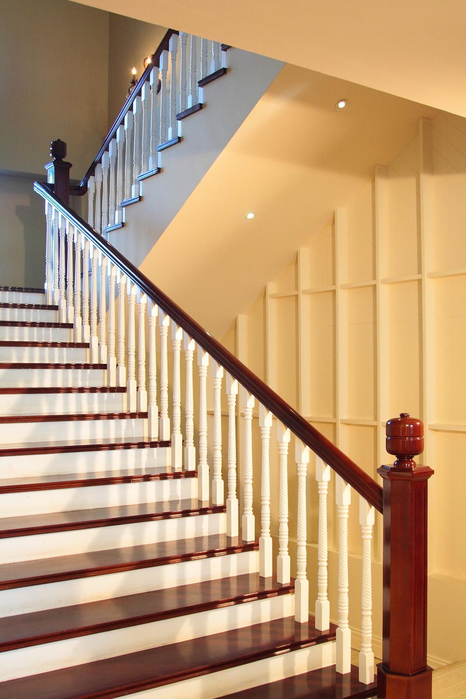 classic mhog stair.jpg