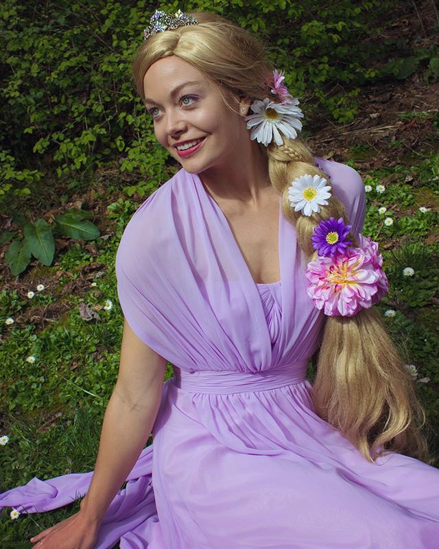 Venture outside your comfort zone. The rewards are worth it 🌸💐🌼 . . . . #alohacharacters #rapunzel #rapunzelcosplay #hawaii #maui #oahu #princess #dream #magic #inspire #create #kids #inspirechildren #magical #cosplay #party #schools #birthdaypartyideas #kidspartyplanning #princesscreation #superhero #princessparty #superheroparty #characterdesign #hero #heroinyou