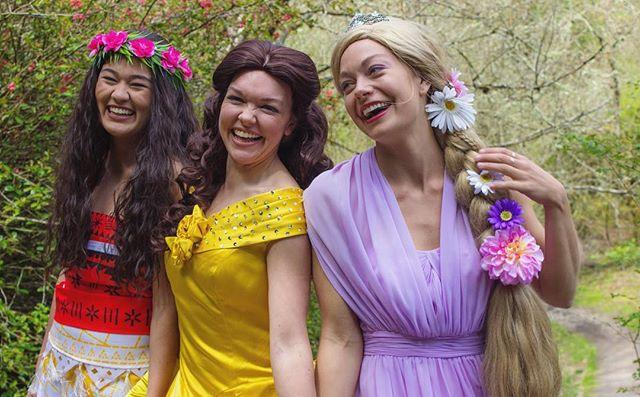 Best friends forever 💕🌸 . . . . #alohacharacters #moana #belle #rapunzel #hawaii #maui #oahu #princess #dream #magic #inspire #create #kids #inspirechildren #magical #cosplay #party #schools #birthdaypartyideas #kidspartyplanning #princesscreation #superhero #princessparty #superheroparty #characterdesign #hero #heroinyou