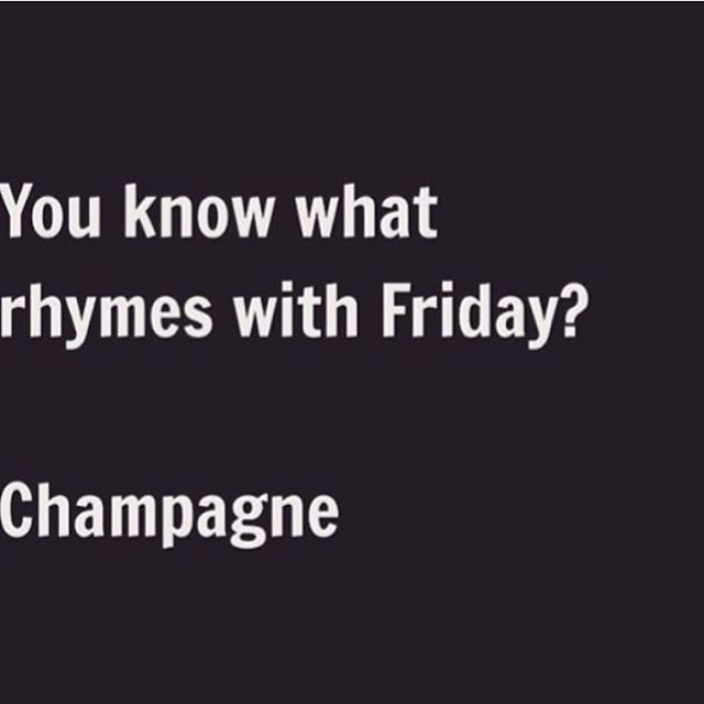 Here's to all our brides getting married this weekend!🍸🎉💞💍 Brides made @thebridalclinic  #friday #champagne #bride #bridediet #healthybride #sayyestothedress #beauty #isaidyes #abiabag #dreamwedding #wedding