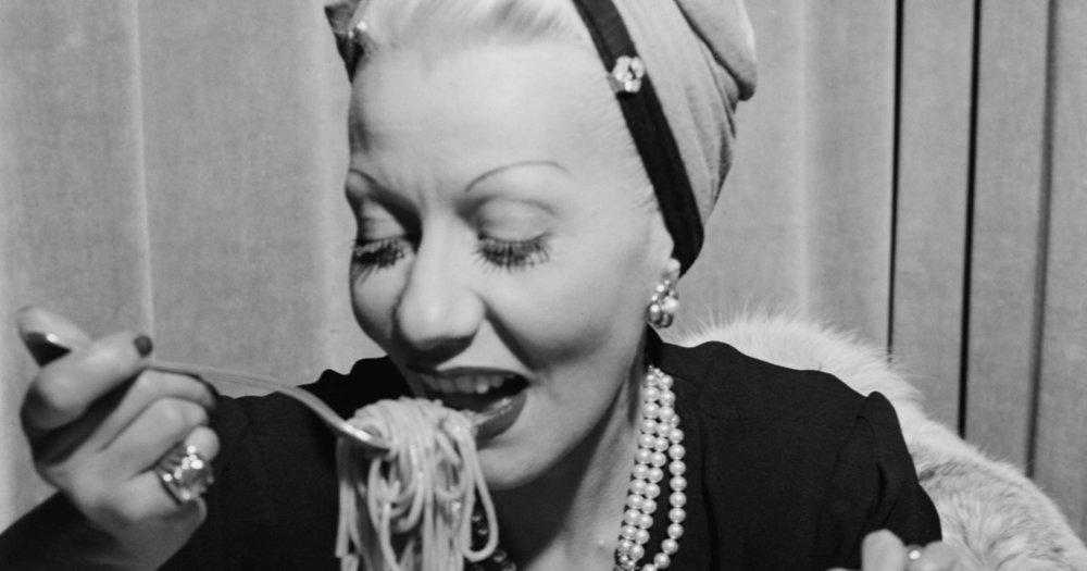 08-italy-woman-pasta.w1200.h630.jpg