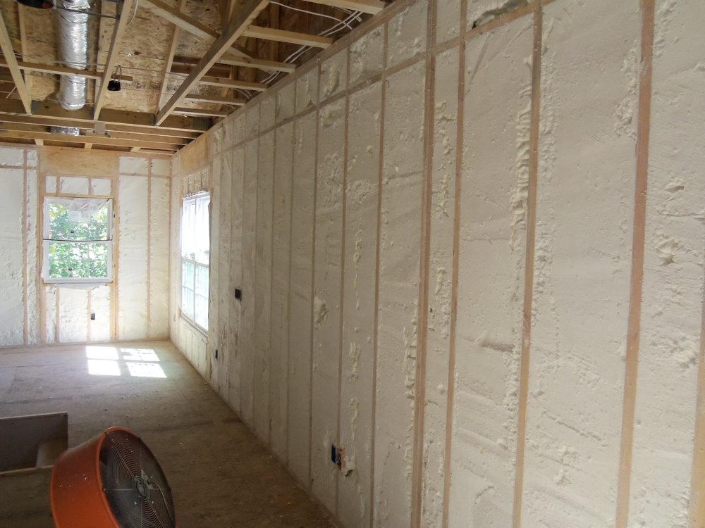 Spray-Foam-Insulation-pound-wall.jpg