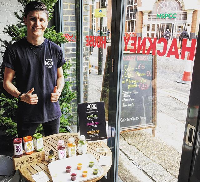 Join us today at @hackneyhouseuk and let Curtis indulge you with some #coldpressed goodness from @mojudrinks  #samples #hackney #shoreditch #london #uk #vegan #coldpressedjuice #beetroot #orange #kale #juice #ginger #freebies