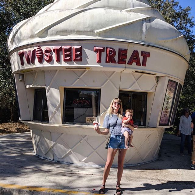Not too soon for shorts in Florida! Erin rocking the Levi Altered Short ☀️🍦✈️ #baddenimbadwomen #baddenimontheroad