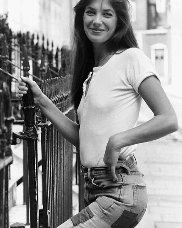 The ultimate spring style icon. Are we nearly there yet? | happy Sunday lovers 💐 #baddenimbadwomen