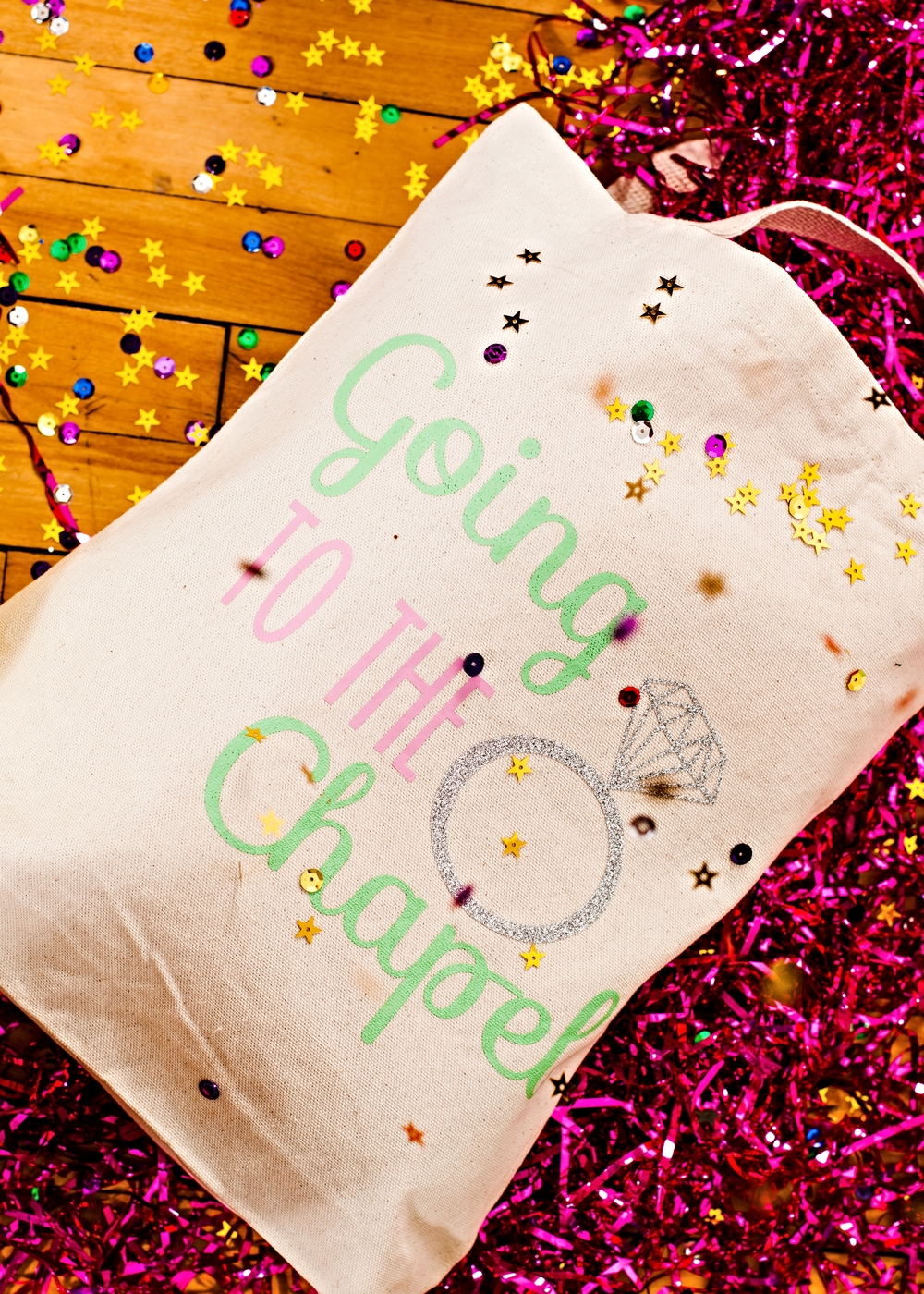 Personalized Tote Bags @www.thedetaileddiva.com.jpg
