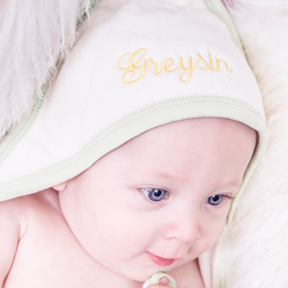 Personalized Baby Towel- www.thedeatileddiva.com.jpg