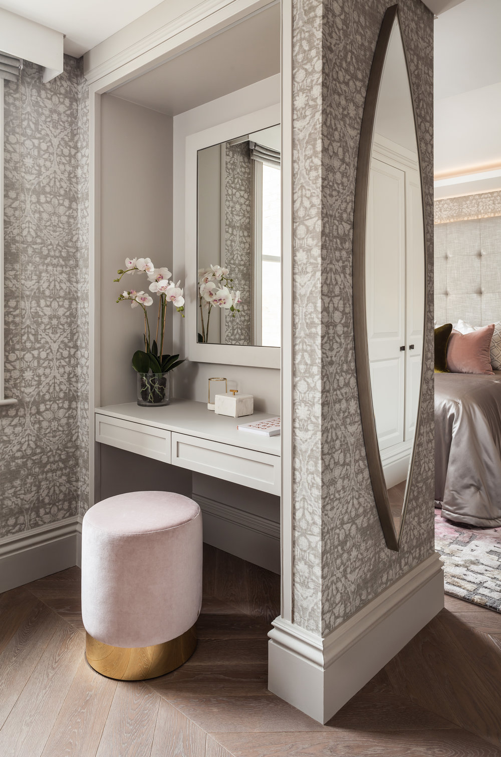 Jo Hamilton Interiors - Kensington bedroom dressing area
