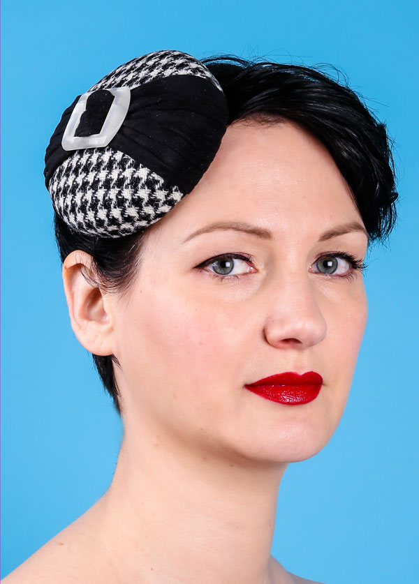 614ce46295f Black and white dogtooth check mini beret with bow