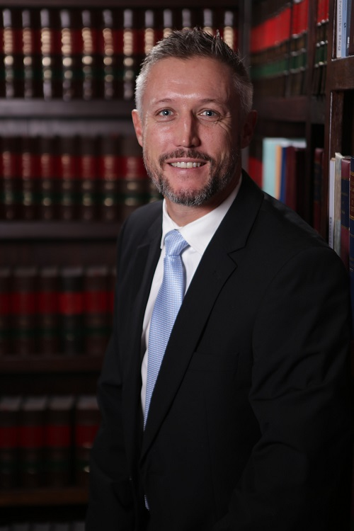 V Steyn (Van Niekerk)  LLB  Area of specialisation: Civil Litigation / Divorce actions / Collections