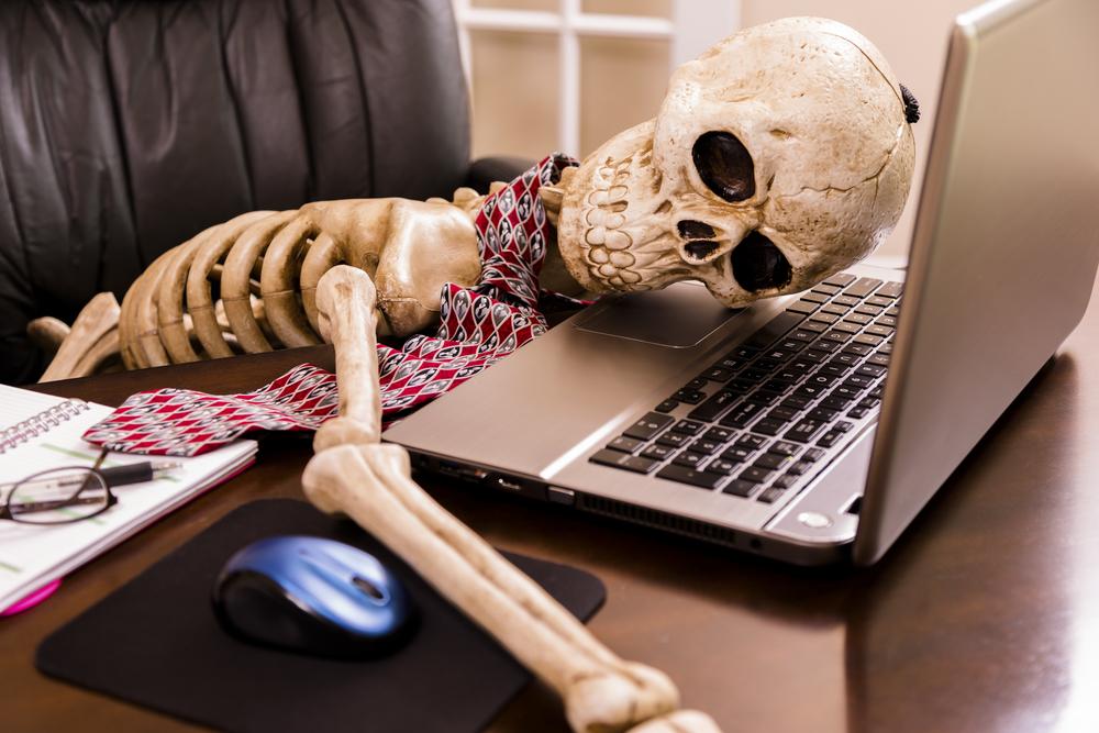 Bored+to+Death?format=2500w waiting skeleton tv tropes,Skeleton Computer Meme