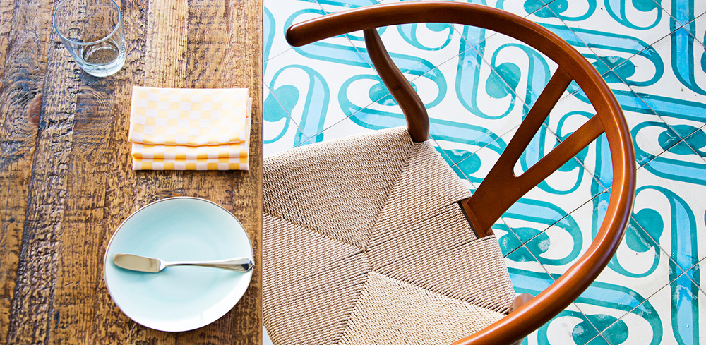 Masseria_Chair-on-Pergola_Scott-Suchman.jpg