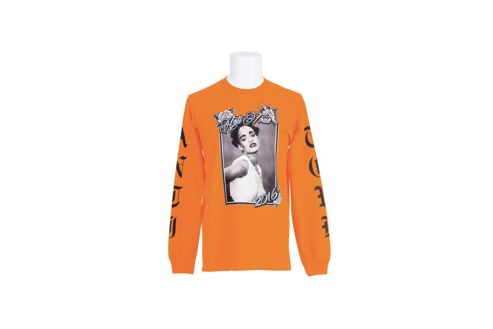 rihanna-anti-tour-merch-colette-07.jpg