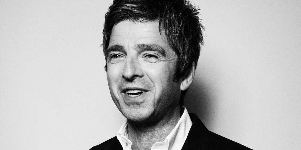 landscape-original-noel-gallagher-december-esquire-43-jpg-292eb7db.jpg