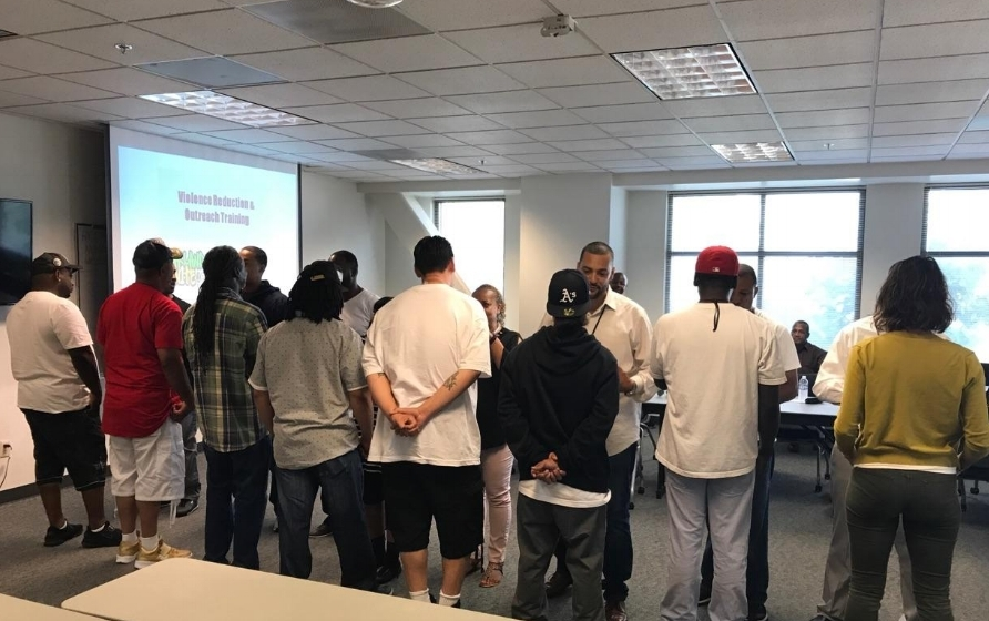 Oakland, CA - Partnering with Oakland Unite, UPI trained outreach workers and violence interrupters on violence reduction strategies utilizing best practices from around the country. UPI also partnered with Urban Institute and Oakland Police Department to research, develop and implement improved homicide scene response protocols utilizing procedural justice principles.