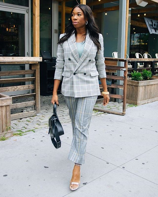 Powersuit ➕ TriBeCa = ⚡️⚡️⚡️ . . . . . . . . . . #fashion #streetstyle #fashionweek #bag #inspiration #madeinitaly #style #unique #modern #luxury #photography