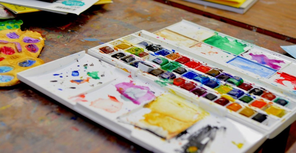 Art in Spanish - Improve your conversational Spanish while getting creative! This will certainly be a fun way to develop your speaking and listening skills.