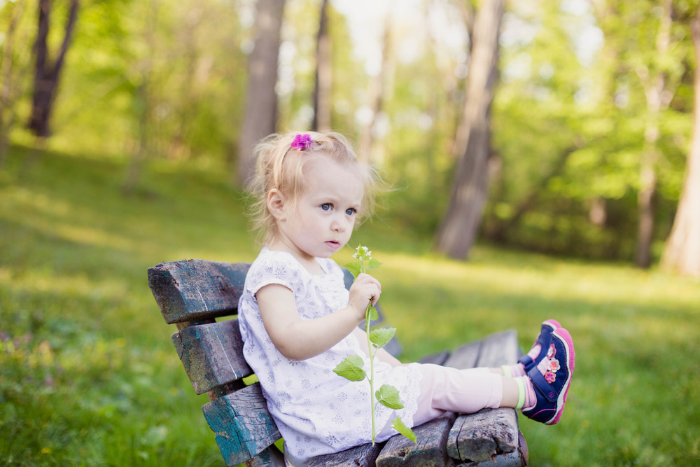 little girl at park, cleveland, ohio kids children lifestyle photographer