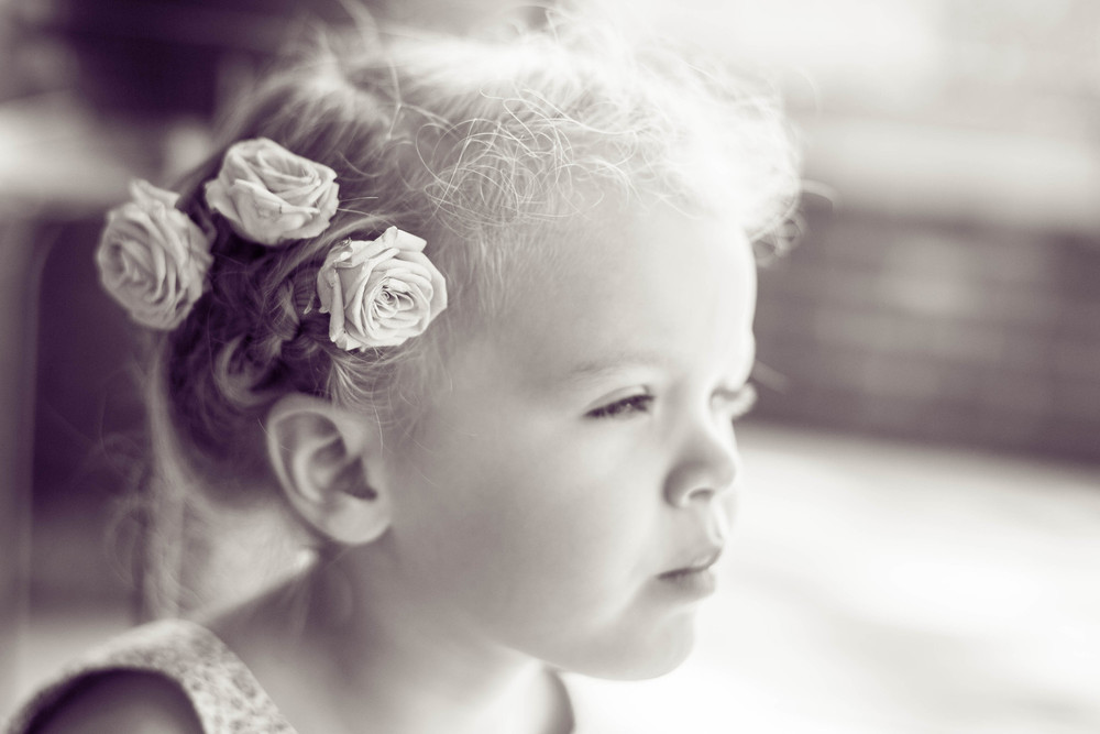 little girl with roses in hair | cleveland children photographer