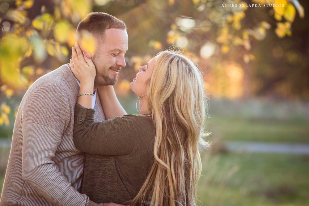 parents looking at each other smiling | cleveland, ohio lifestyle photography