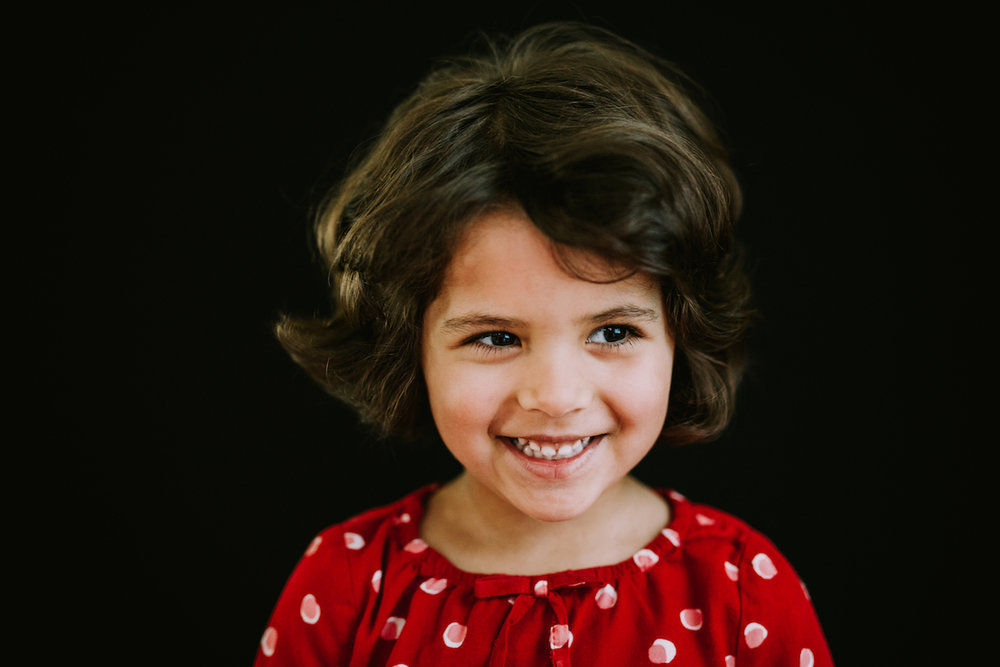 four year old girl with red shirt | cleveland, portrait school photographer