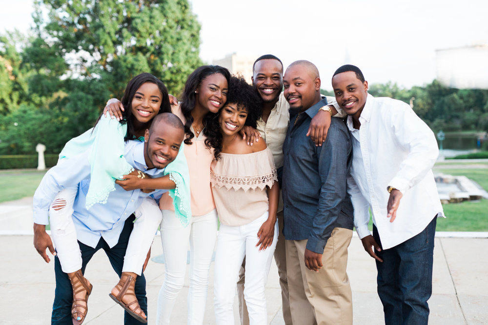 brothers and sisters large family hugging | cleveland lifestyle photographer