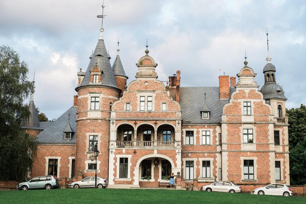 Kobylniki Palace, Poznan Poland | cleveveland lifestyle family photographer