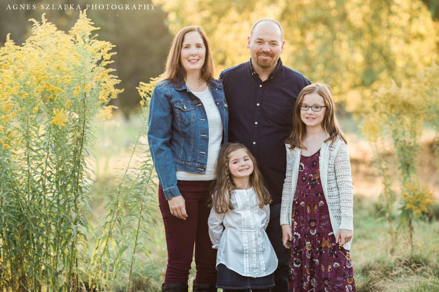 family of four fall pictures | cleveland, OH portrait photographer
