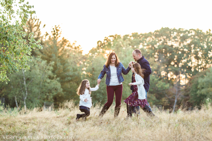 family of four dancing in the park | clevealnd, OH lifestyle photographer
