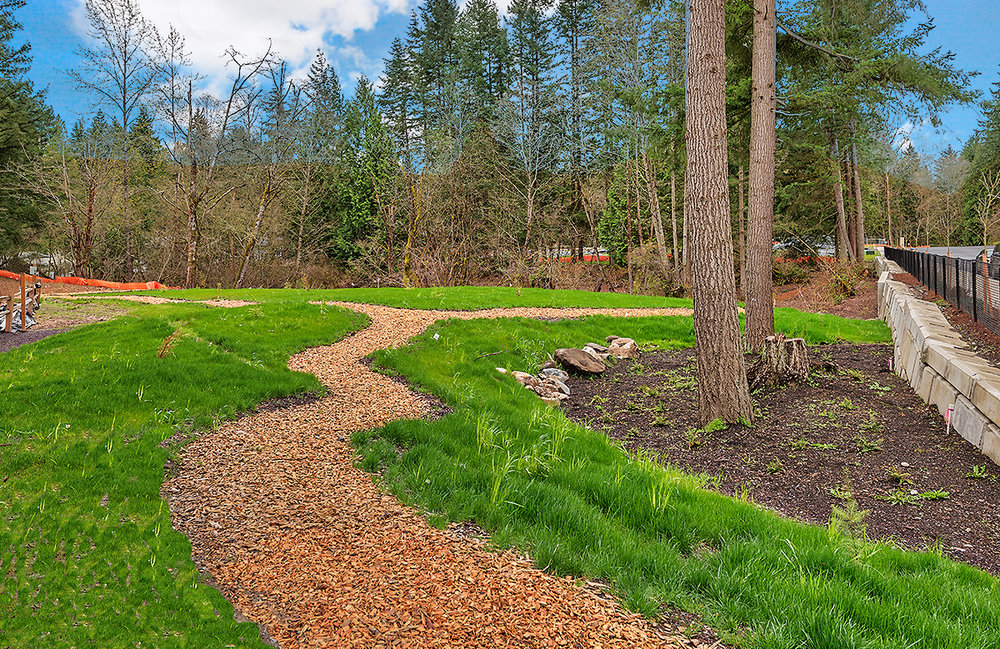 grounds-walking paths.jpg