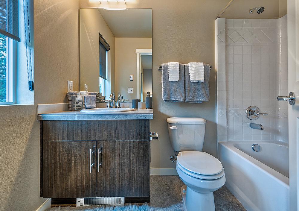 BR 2 ensuite bathroom.jpg