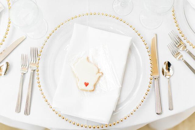 wisconsin wedding cookie favor.jpeg