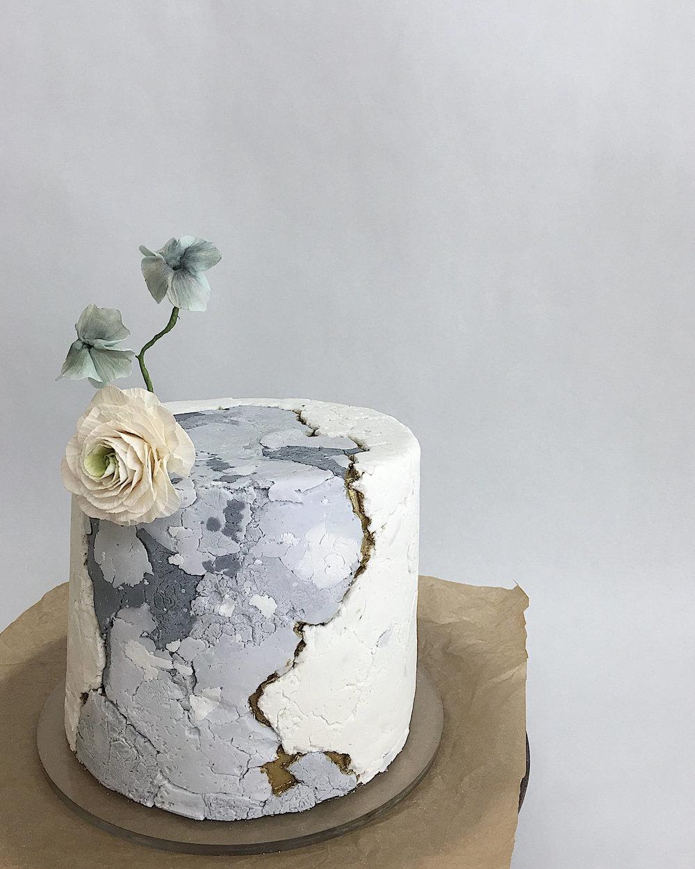 kintsugi aged stone fondant texture cake.jpg