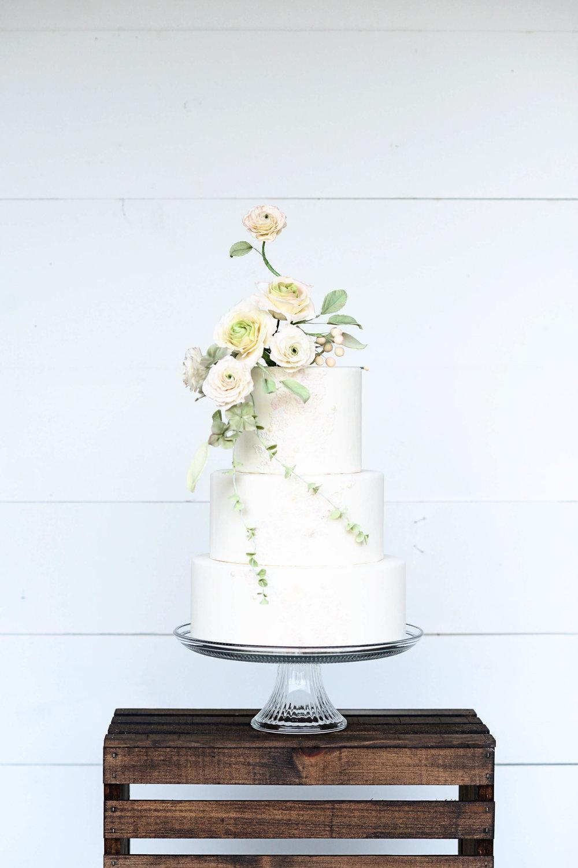 dramatic white wedding cake lace sugar flowers.jpg
