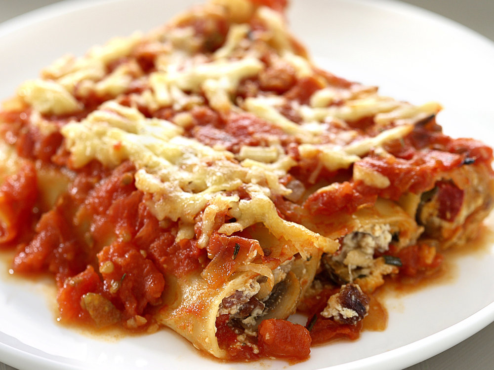 chorizo--mushrooms-and-ricotta-cannelloni.jpg
