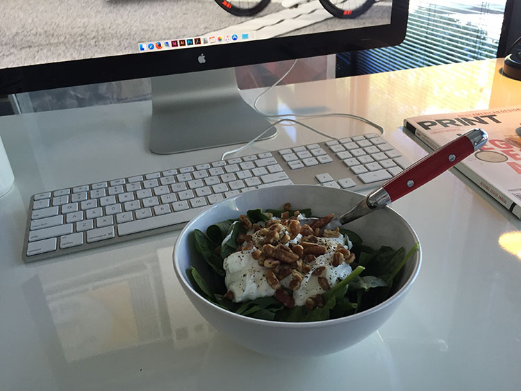 Spinach, greek yogurt and nuts for lunch.