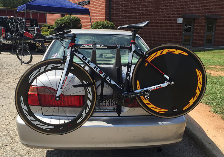 I'm not sure, but this looks like a road bike converted to TT rig.