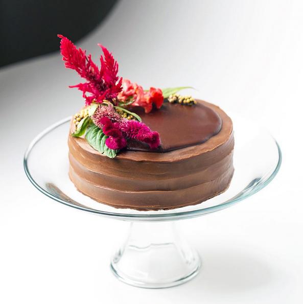 Cake Fascinator, chocolate cake with fresh flowers