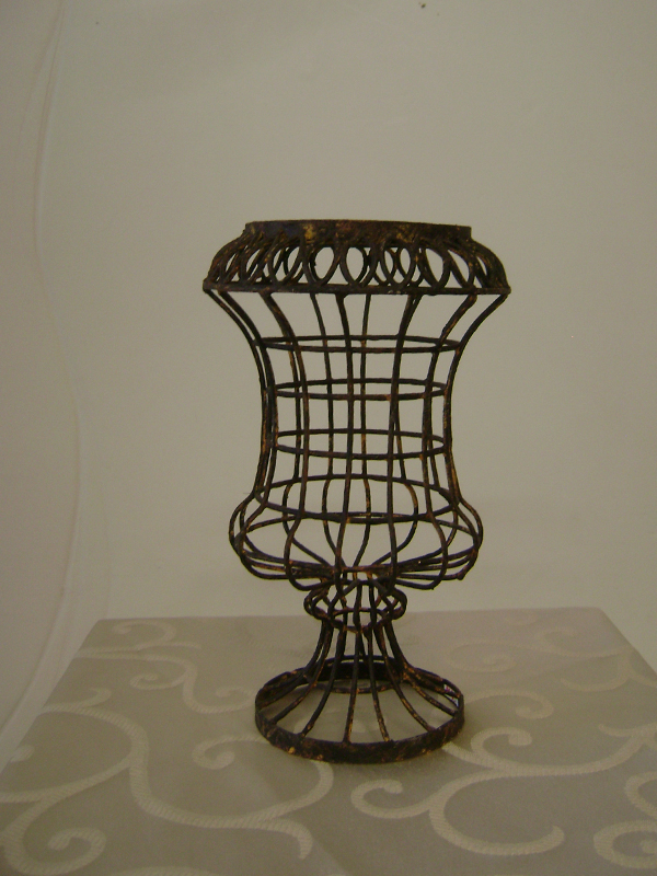 French wire urn small