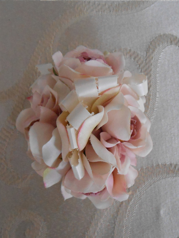 Pale pink rose corage