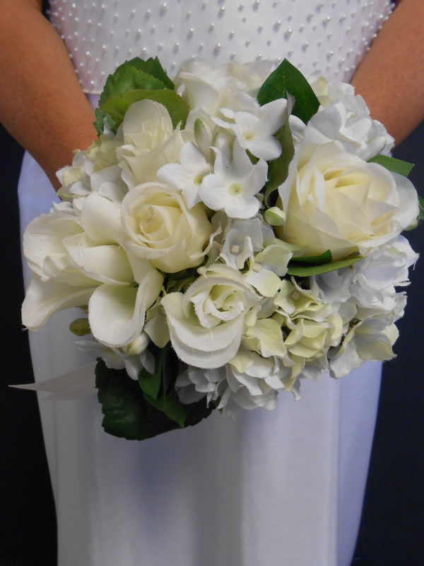Bridal bouquet white mixed with roses