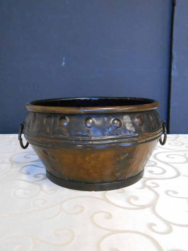 Spanish metal pot
